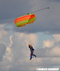 DSC_0834 (damienfournier18) Tags: aroport aroportdenevers lfqg nevers avion aiation aronefs parachutiste dr400