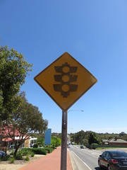 Weathered 'Traffic Lights' warning sign on Montague Rd, Modbury (RS 1990) Tags: adelaide southaustralia thursday 13th october 2016 teatreegully modbury weathered traffic sign diamond yellow trafficlights montaguerd