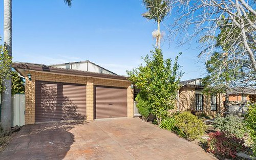 25 Trobriand Cres, Glenfield NSW 2167