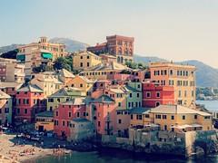 Boccadasse, Italie (France-) Tags: 1659 genoa genova gnes italy italie europe plage beach maison house italia gnes ligurie liguria boccadasse