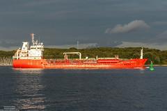 Nordic Henriette (maritime.fotos) Tags: nordichenriette tanker oiltanker chemikalienlproduktetanker kiel falckenstein kielerfrde spoton regenfront red