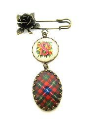"Ancient Romance Series - Scottish Tartans Collections - Forrester Clan Tartan Sculpted Rose Brooch with Victorian Initial ""S"" Charm"