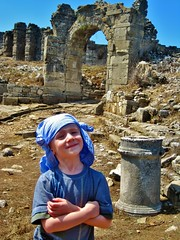 Romain forgot his hat (desben) Tags: turquie romain aspendos