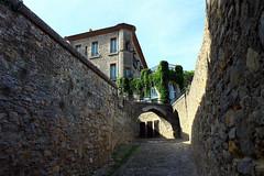 Carcassonne (CGilles7) Tags: castle flickr selection schloss château middleages carcassonne burg moyenage châteaufort citémédiévale gilles7
