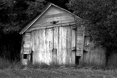 Holmes County,  Ohio (socaltoto11) Tags: blackandwhite abandoned canon rustic oldbuildings countrylandscapes holmescountyohio ohioamishcountry