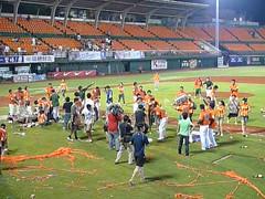 P1000788 (celeste_mer) Tags: 棒球 台南棒球場 2009年