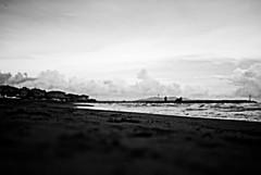 enPleinAir (niK10d) Tags: beach sand shore degregori pentaxk10d 31mmf18limited
