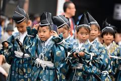 2013 Tokyo Jidai Matsuri (AnotherSaru - Limited mode) Tags: cute festival kids children tokyo group adorable parade  nippon  asakusa nihon  bunkanohi traditionalclothing  tait cultureday  2013 taitku tokyojidaimatsuri vision:people=099 vision:face=099 vision:groupshot=099 vision:outdoor=0769
