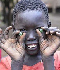 Marbles, Anuak, Ethiopia (Rod Waddington) Tags: africa town hands refugee traditional tribal omovalley marbles ethiopia tribe hornofafrica ethiopian dimma anuak