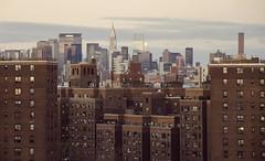 New York City Serie 3/31 (Alberto Sen (www.albertosen.es)) Tags: new york bridge sunset usa building skyline brooklyn nikon state united skyscrappers alberto chrysler nueva sen rascacielos eeuu d7000 albertosen