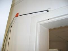 Alarmkabel über Tür