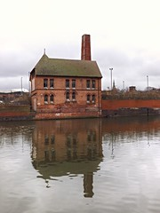 Pump House, Donisthorpe Mill (lcfcian1) Tags: chimney reflection leicestershire leicester reflected pumphouse riversoar donisthorpemill pumphousedonisthorpemill
