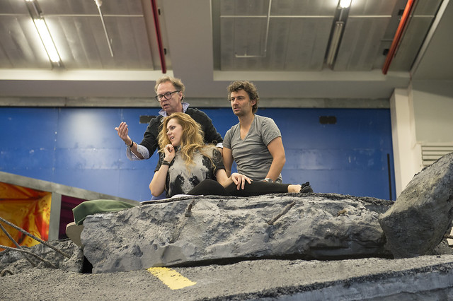Director Jonathan Kent with Kristine Opolais and Jonas Kaufmann in rehearsals for Manon Lescaut ©ROH/Bill Cooper, 2014