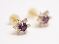 アメシストとダイヤの花モチーフピアス  Amethyst and Diamond  pierced earrings (jewelrycraft.kokura) Tags: diamond pierce amethyst ピアス ダイヤ アメシスト イエローゴールド