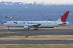 JA8268 Boeing B763 HND 02Dec2012 (Citation Ten) Tags: ja8268 hsbkj b763 jal oea hnd