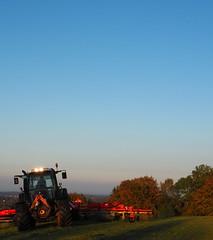 Werbetrekker (BCHTLCK) Tags: trekker traktor bayern herbst herbstlich herbstlicht laub chiemgau traunsteintractor bavaria autumn fall autumnal light foliage greenery upperbavaria