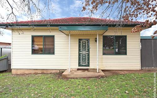 108 Fernleigh Road, Mount Austin NSW 2650