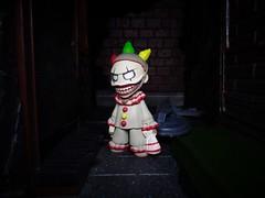Clown in an Alley (ridureyu1) Tags: clowntrend evilclown twisty americanhorrorstory funko pop funkopop bobblehead mysterymini toy toys actionfigure toyphotography sonycybershotsonycybershotdscw690