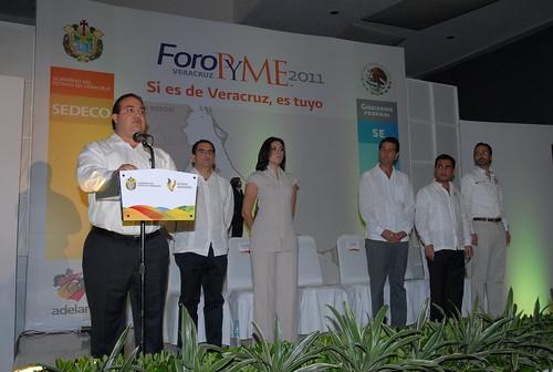 """El gobernador Javier Duarte de Ochoa inauguró el Foro PYME """"Si es de Veracruz, es tuyo"""" 7"""