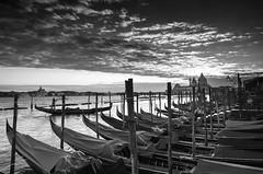 Tramonto a Venezia - Sunset in Venice (Immacolata Giordano) Tags: venezia veneto italia italy gondole tramonto sunset nikond7000