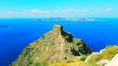 The Rock @Santorini (anne.stergatos) Tags: therock santorin santorini rock felsen berg griechenland greece greekisland insel griechischeinsel island caldera vulkan vulcano himmel kykladen horizont meer bluesky blauerhimmel gis