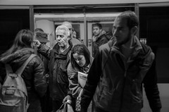 (Miguel Modrego) Tags: wow espaa spain madrid metro underground gente people street calle social urbana urban candid robado retratro protrait blanco y negro black white byn bn nikkor nikon d7000