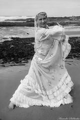 Villas do Atlântico - Lauro de Freitas - Ba/Brasil (AmandaSaldanha) Tags: nature natureza book ensaio woman mulher blackandwhite pb bw cigana gypsy dance dancer dança dançarina bahia brasil