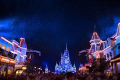 Snowy Main Street USA (GRO Photography) Tags: lights wreathes christmas2016 cinderellascastle decoratons waltdisneyworld crowd snow magickingdom mainstreetusa