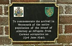 P1410978 Commenmoration Plaque.. 23rd June 1940.. (Tadie88) Tags: plaque dorset pavilion weymouth theesplanade commemorationplaque openplaques:id=8256 plaquesofweymouth islandofalderneyrefugees 23rdjune1940