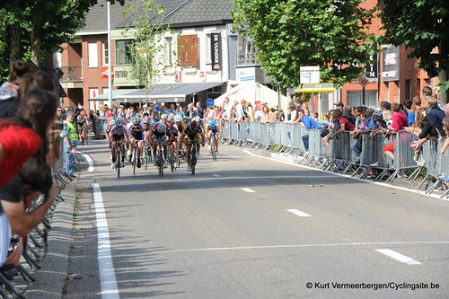 Minderhout (398)