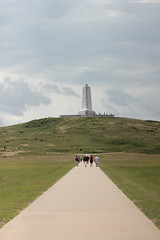 Obelisk (historygradguy (jobhunting)) Tags: monument vanishingpoint nc path hill northcarolina outerbanks kittyhawk obx killdevilhills wrightbrothersnationalmemorial