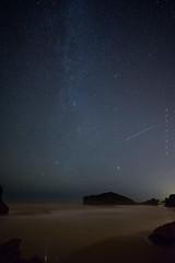 Dark nights (Ahio) Tags: nightphotography sea sky seascape beach night zeiss stars nikon shorelines nocturnal lowtide 15mm bajamar llanes marinas milkyway sanmartín víaláctea marcantábrico fotografíanocturna zf2 distagont2815 d800e