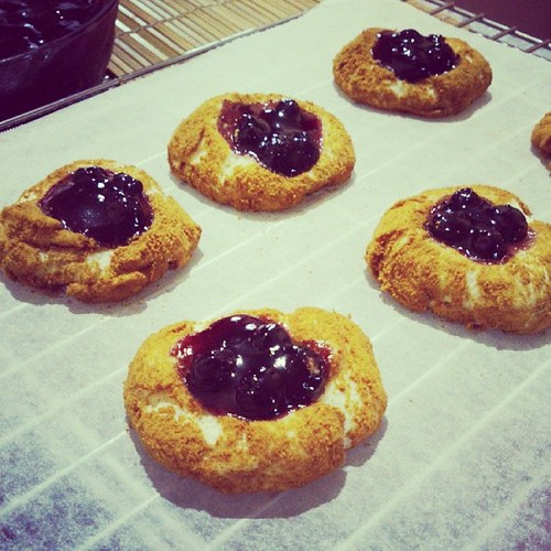 Fresh From The Oven Blueberry Cheesecake Cookies Bakingathome Cookies Blueberrycheesecake