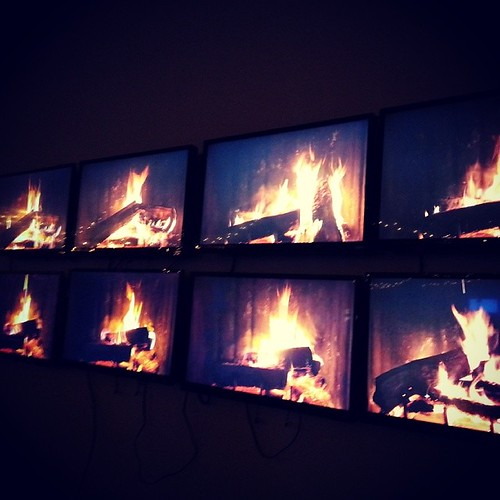 No fireplace? No problem! @howaboutwe