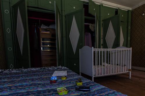 {Urbex} Villa de l'ambassadeur - Avis aux squatteurs de la chambre du bébé