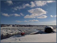 Le fleuve St-Laurent et ses glaces (Ville de Qubec) Canada (Marielle Frigault - peu prsente) Tags: winter snow canada nature water clouds river quebec hiver neige stlaurent nuages vieuxport fleuve glaces ices fleuvestlaurent 2013 vieuxportdequbec mariellefrigault