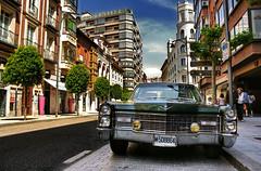 Cadillac (Rubn Toquero) Tags: city urban espaa car canon spain ciudad cadillac valladolid coche urbano vehiculo castillaylen erre canon450d ruhey rubntoquerogonzlez rubetoq