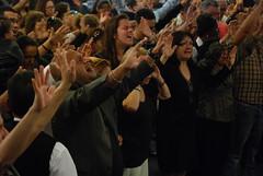 Servicio - 02/09/14 (Rudy Gracia) Tags: people music church de hands worship florida god miami south jesus crowd iglesia rudy christian spanish vida hollywood fl pastor praise gracia preaching cristiana segadores ruddy predica