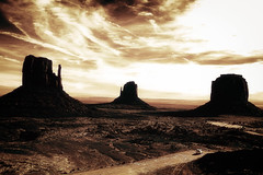 Road To Monument Valley (RaulHudson1986) Tags: road winter sky nature beautiful canon landscape utah amrica view desert artistic famous reserve western monumentvalley eeuu americanway navajocounty 550d raulhudson1986