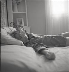 At home (Fabio Sabatini) Tags: film mediumformat alessandra delta32