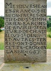 Châtelus (Loire) (Cletus Awreetus) Tags: france pierre loire inscription croix forez socle châtelus