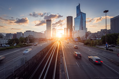 la defense (www.thierryfaula.com www.thierryfaula.com www.thie) Tags: ladfense parisienne paris d800 couchdesoleil sunset sunrise affaire architecture argent autoroute banque btiment circulation coucher de soleil economie embouteillage euros gratte ciel immeuble la dfense lumire mtro nikon quartier daffaire ratp route routier rcession rseau soir soire tour transaction transport ville voiture