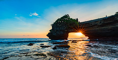 Star Under Shade (sr.chandrasekar) Tags: nikond750 tamron1530 bali indonesia sunset tanah lot sea