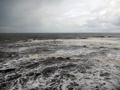 North Sea in wind, 2016 Oct 23 -- photo 2 (Dunnock_D) Tags: uk unitedkingdom britain scotland fife standrews grey cloud cloudy sky northsea sea waves pier