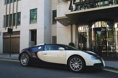 Bugatti Veyron 16.4 (Instagram: R_Simmerman) Tags: bugatti veyron 164 london united kingdom summer 2016 july mayfair harrods knightbridge sloane street valet parking garage hotel combo supercars sportcars hypercars londoncars carsoflondon qatar saudi uae arab