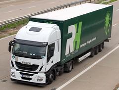 Iveco Stralis Hi Way GOG 792 (gylesnikki) Tags: new white truck artic hiway m20 2013