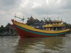 100_2502 (Alam Endah) Tags: sungai kapal juwana sungaisilugonggo sungaijuwana