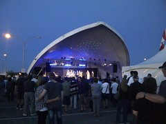 IMG-20120811-00323 (Blake Productions Ltd) Tags: concert tent 5440 linearray stagelighting outdoorevent pgx