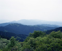 view from Kongo (troutfactory) Tags: mountains film japan mediumformat landscape haze view horizon rangefinder 日本 osaka analogue 6x7 distance kansai 山 関西 景色 kongosan mountkongo 金剛山 大阪府 fujiprofessional400 fujifilmgf670 voigtlanderbessaiii