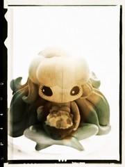 11/20/13   133/365   seikosperiment (___rei) Tags: anime green closeup toy lofi vinyl manga kidrobot noise tadaa filters seiko noisy iphone vinyltoy junkomizuno puretrance iphonography november2013 112013 pixlromatic pixlrexpress